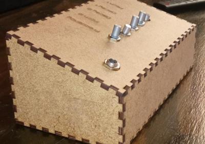 Caja cortada con láser en MDF de 3mm